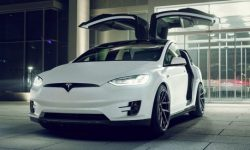 Tesla announced a recall of 15 thousand crossovers Model X