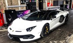 In Kiev lit heavy duty Lamborghini for 17 million