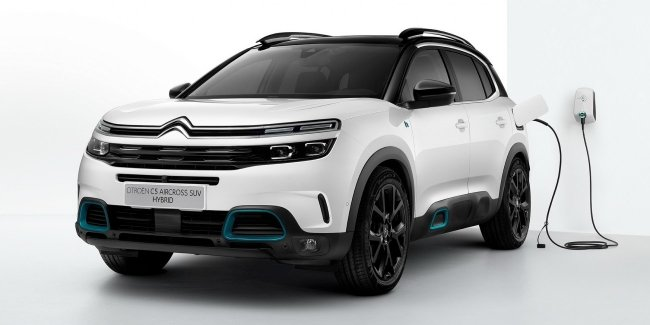 Citroen announced the price for a hybrid crossover C5 Aircross