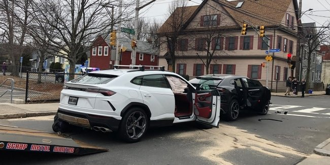 Teenagers stole two Lamborghini Urus and collided with each other