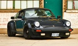 Looks like a Porsche 911 with mileage 1.3 million km