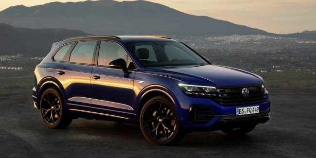 "Volkswagen introduced the ""charged"" R-modification of crossover Touareg"