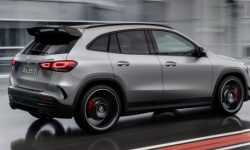 """Presented the new Mercedes-AMG GLA 45 with a """"record"""" of a turbo engine"""