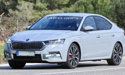 The most powerful hybrid Skoda Octavia found in Spain