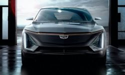 Electric crossover Cadillac Lyriq energized from advanced battery Ultium