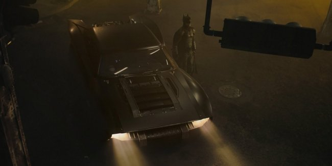 "The network has published the debut pictures of the new ""Batmobile"""