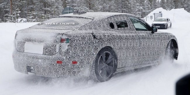 Electric Jaguar XJ spotted on the tests