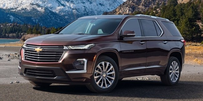 Refreshed large crossover Chevrolet Traverse