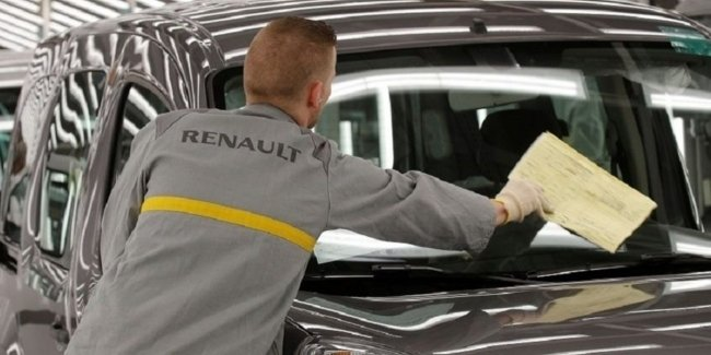 Renault closes the factories in France due to pandemic coronavirus