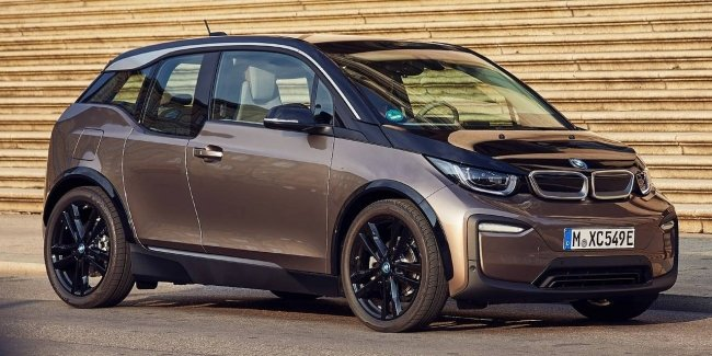The chief designer of Bentley criticized the design of the BMW i3
