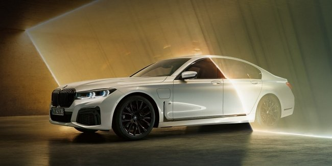 "The most powerful ""seven"" BMW will electric"