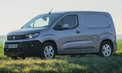 New PEUGEOT Partner Fourgon is a reliable partner of your business and No. 1 in Europe for commercial vehicles
