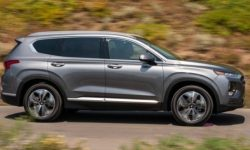 Updated Hyundai Santa Fe: change the layout, grew up and got a hybrid version
