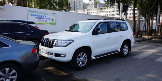 Land Cruiser 200 at the price of RAV4 in China introduced budget a copy of