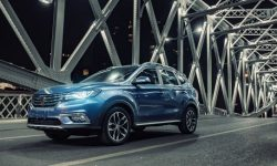 Three times cheaper than the VW Tiguan: Roewe presented updated crossover RX5