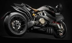 """The stranger"" from Italy: motorcycle Vyrus Alyen"