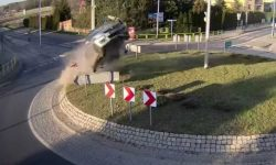 Signs – they're everywhere! Funny accidents in Poland (video)
