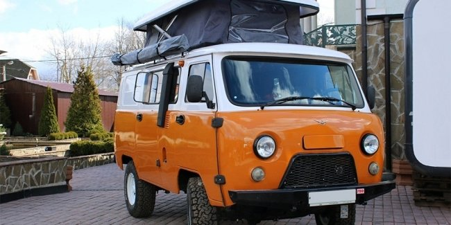 """A nightmare of claustrophobic: motorhome on the basis of the UAZ """"Loaf"""""""