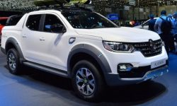 """Renault's designers dream to draw a """"real"""" pickup"""