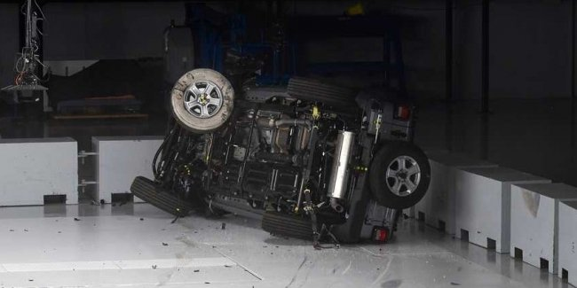 The travel revolution: crash test Jeep Wrangler (video)