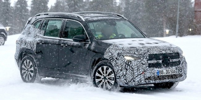 Presented the first image of the crossover Mercedes-Benz EQB