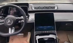 Journalists revealed features of the interior of the new S-Class (video)