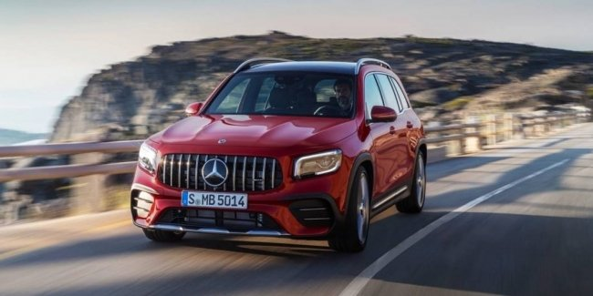 In the Internet appeared the patent image of the updated Mercedes-GLB 45 AMG