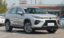 """The new crossover Toyota """"puts on the shoulder"""" all the competitors"""