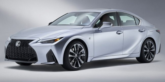 New Lexus IS: first live photos