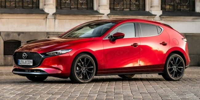 It is now official: the Mazda 3 gets a turbo (video)