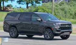 Photographers sealed off-road version of the Chevrolet Suburban Z71