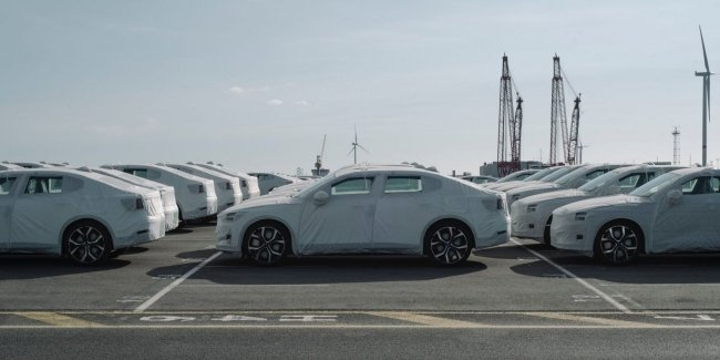 Electric cars Polestar 2 started to ship in Europe