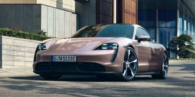 The base Porsche Taycan will probably be the most fun