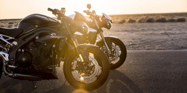 New Triumph Speed Triple 1160 caught photospin
