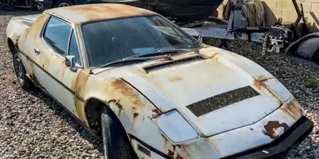 "Rare ""scrap"": found in the garage of the Maserati Merak"