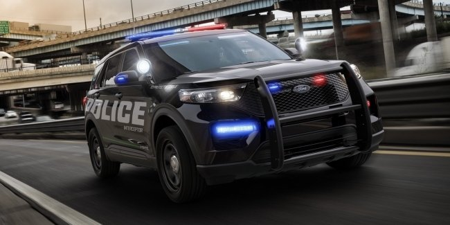 A police Ford – a symbol of racism?!