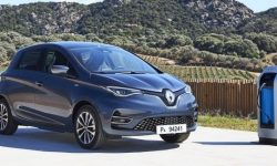 "Renault Zoe ""tearing"" the German market"