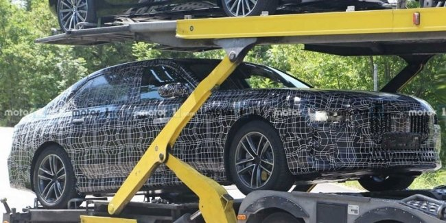 New BMW i7 noticed in serial body