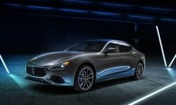 Hybrid Maserati Ghibli officially presented