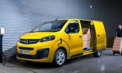 How much cost electric Vivaro-e?