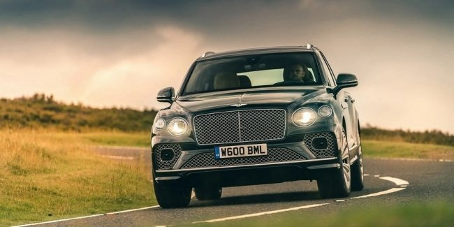 Bentley introduced the 4-seater version updated Bentayga