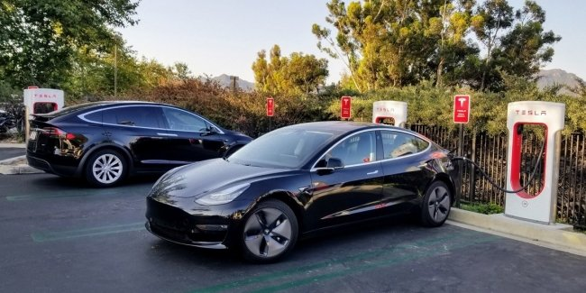 Tesla seriously intends to reduce the cost of their electric cars