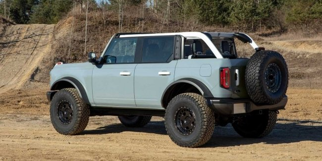 Bronco pickup truck: Ford decided to take a ride on Jeep-u