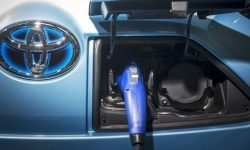 Battery with quick charge function will appear at Toyota