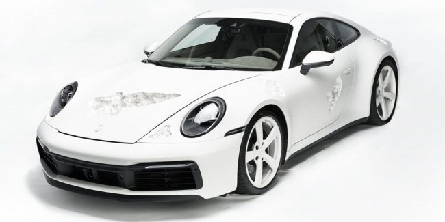 The new Porsche 911 has become a victim of art