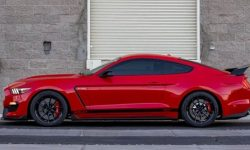 Mustang Shelby GT500: power, need more power!