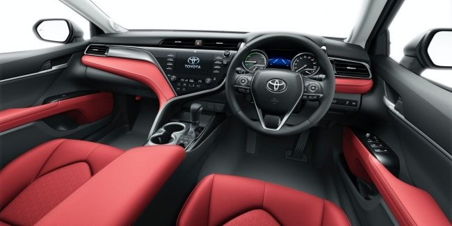 Modernezirovat Toyota Camry and rolled out its special version of
