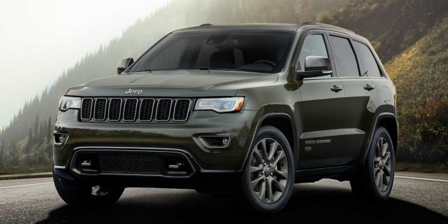 Photospin looked inside the latest Jeep Grand Cherokee