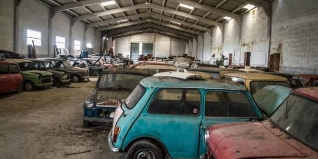 Robbery in Portuguese: warehouse of classic MINI