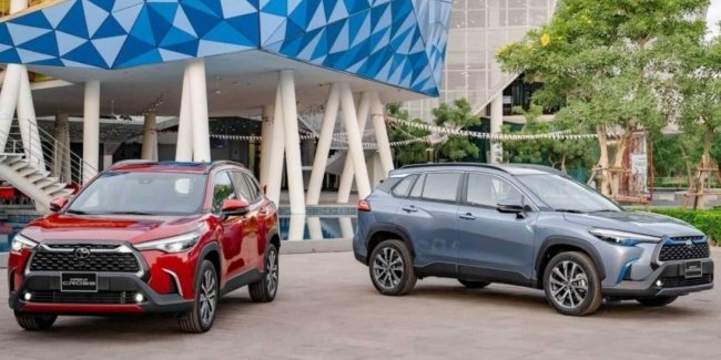 Toyota introduced the Corolla modified crossover Cross